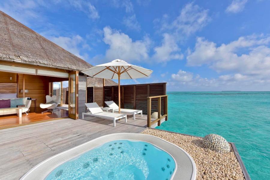 Migliori Resort Maldive Conrad Maldives superior water villa