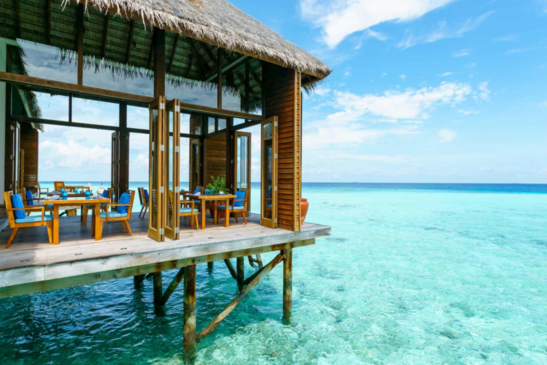 Resort Maldive Conrad Maldives Sunset ristorante Mandhoo Spa