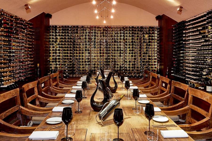 Resort Maldive Conrad Maldives Sunset ristorante The wine cellar