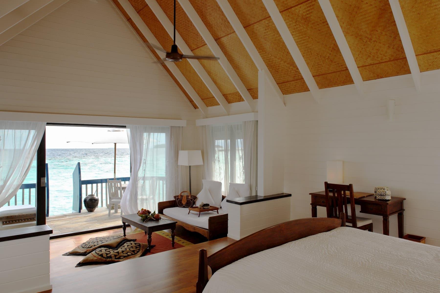 Resort Maldive Cocoa Island resort Maldive Dhoni water villa