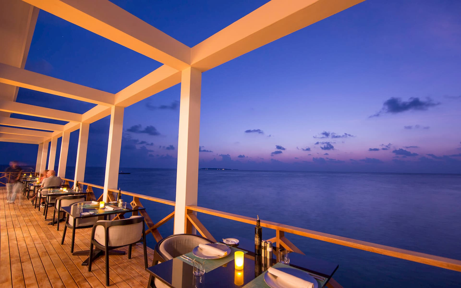 Amilla Fushi resort maldive lounge bar