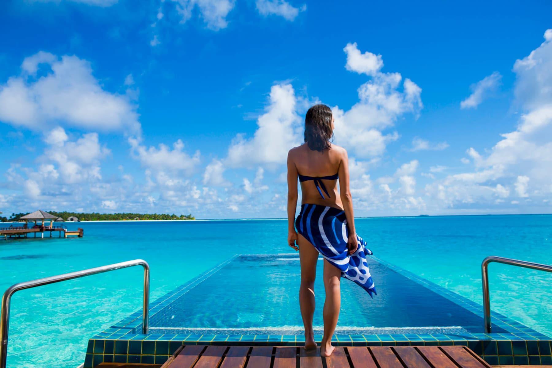 Angsana Velavaru resort Maldive InOcean sunrise pool villa