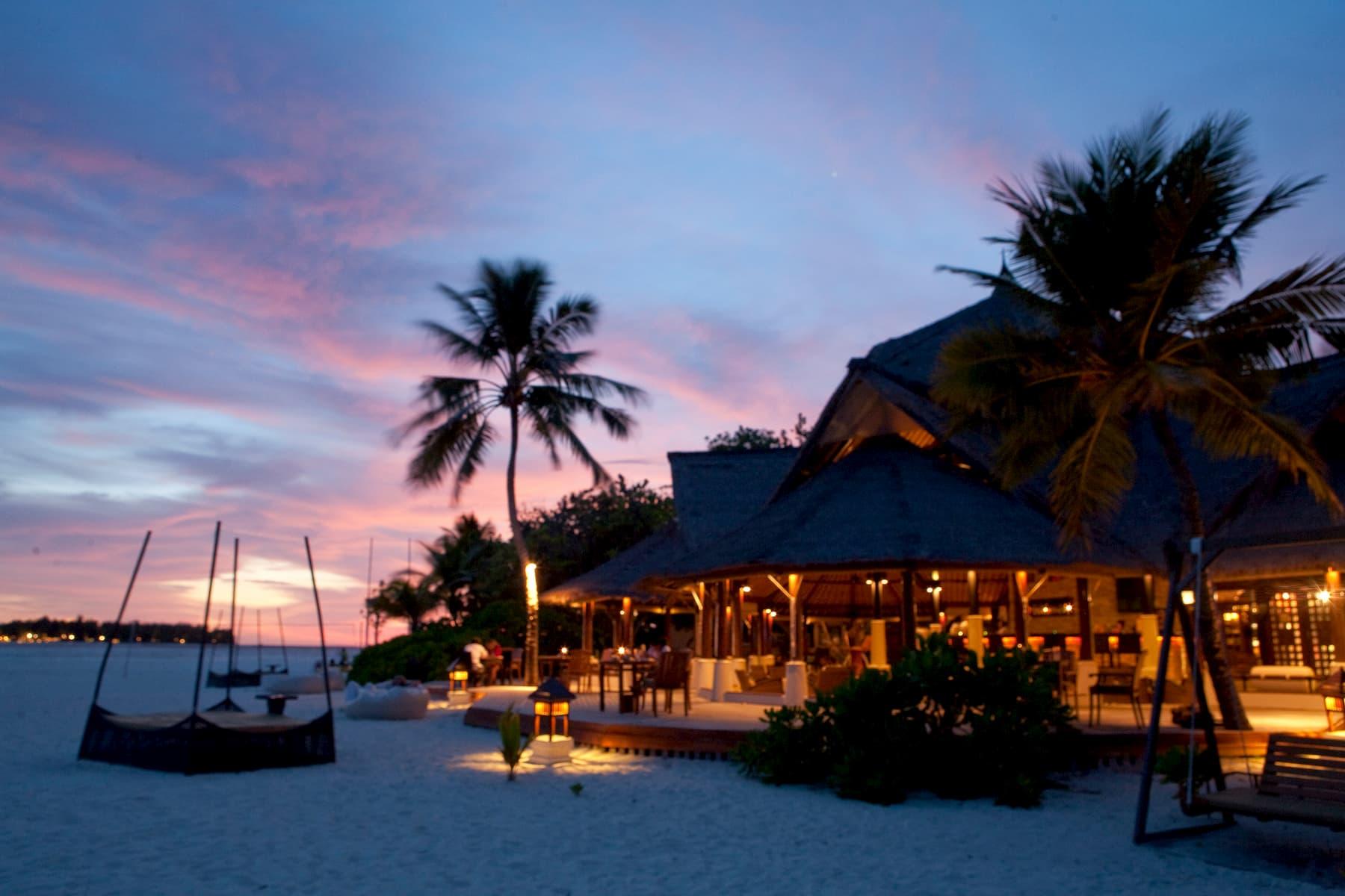 resort MaldiveBanyan Tree Vabbinfaru resort Maldive ristorante Naiboli