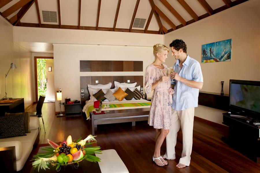 Resort Maldive Veligandu Island Resort & Spa jacuzzi beach villa
