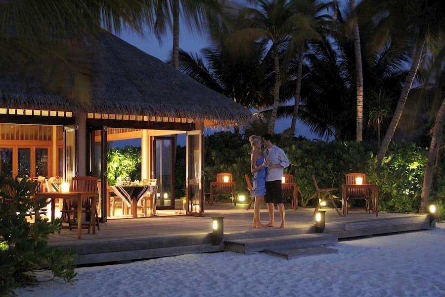 Resort Maldive Veligandu Island Resort & Spa ristorante Madivaru