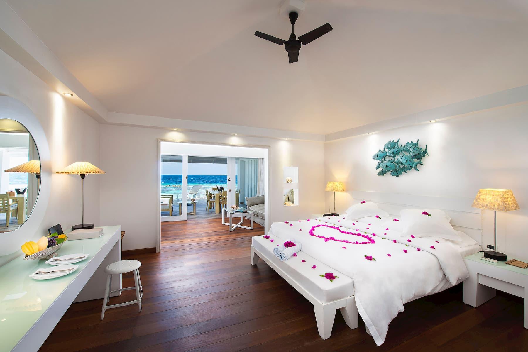 Resort Maldive Diamonds Athuruga junior suite