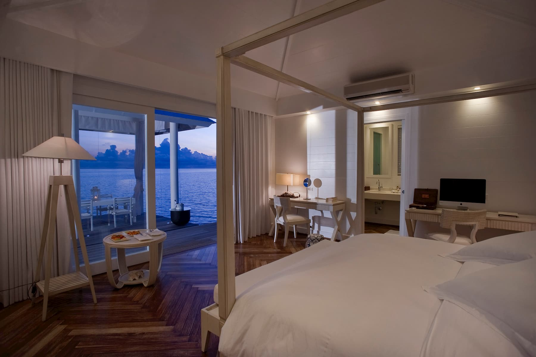 Resort Maldive Diamonds Athuruga water villa