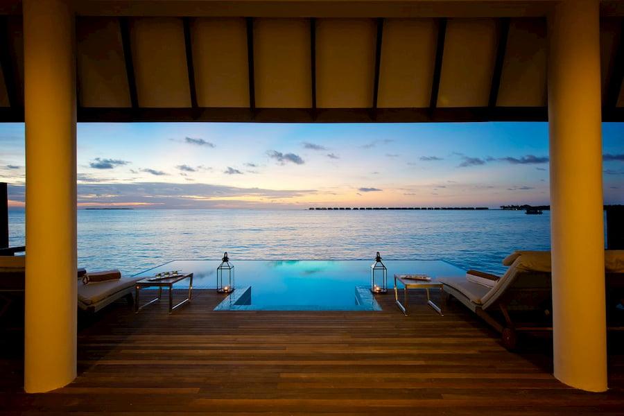 Resort Maldive Hideaway Beach Resort & Spa ocean suite