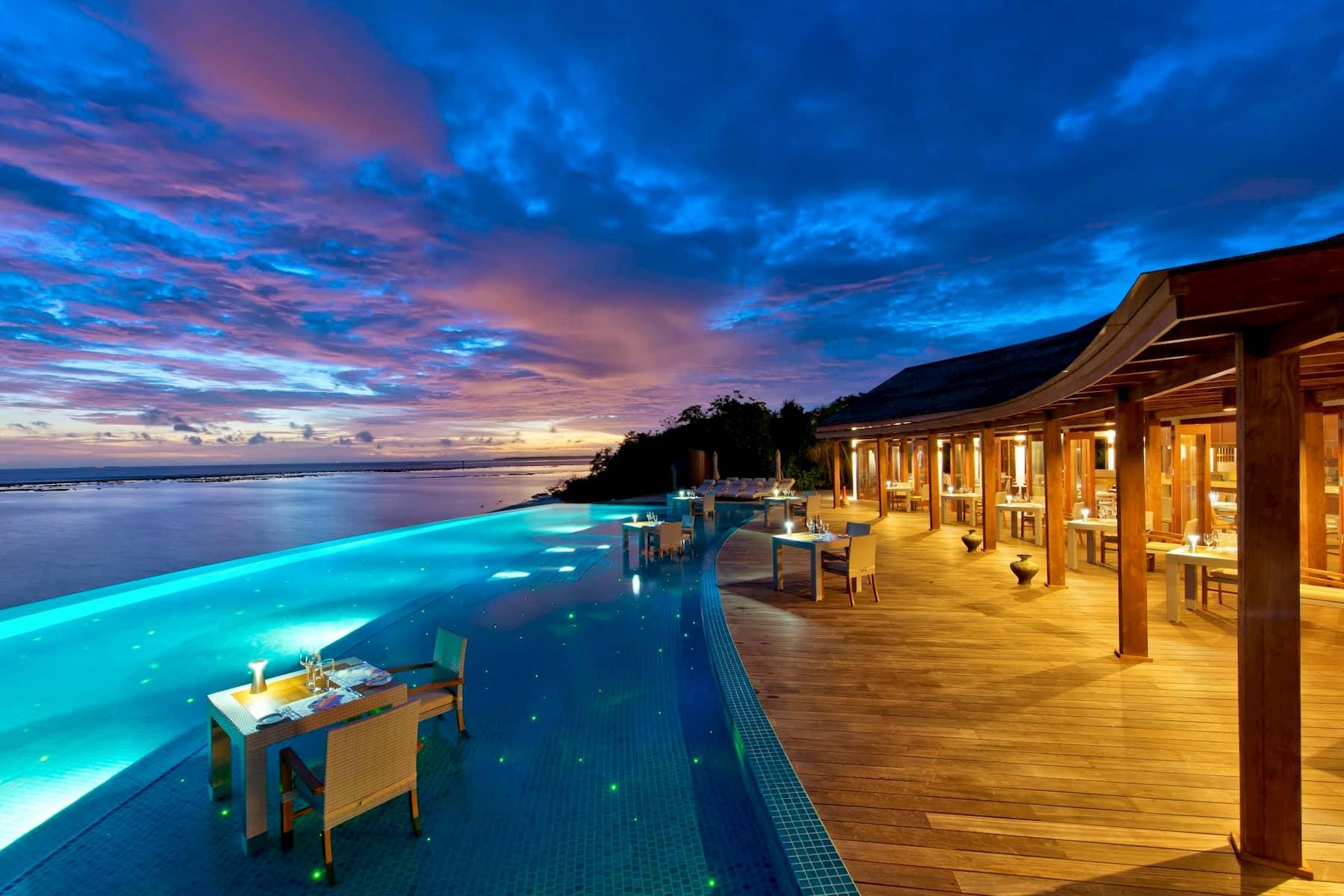 Resort Maldive Hideway Beach Resort & Spa ristorante sunset pool cafe