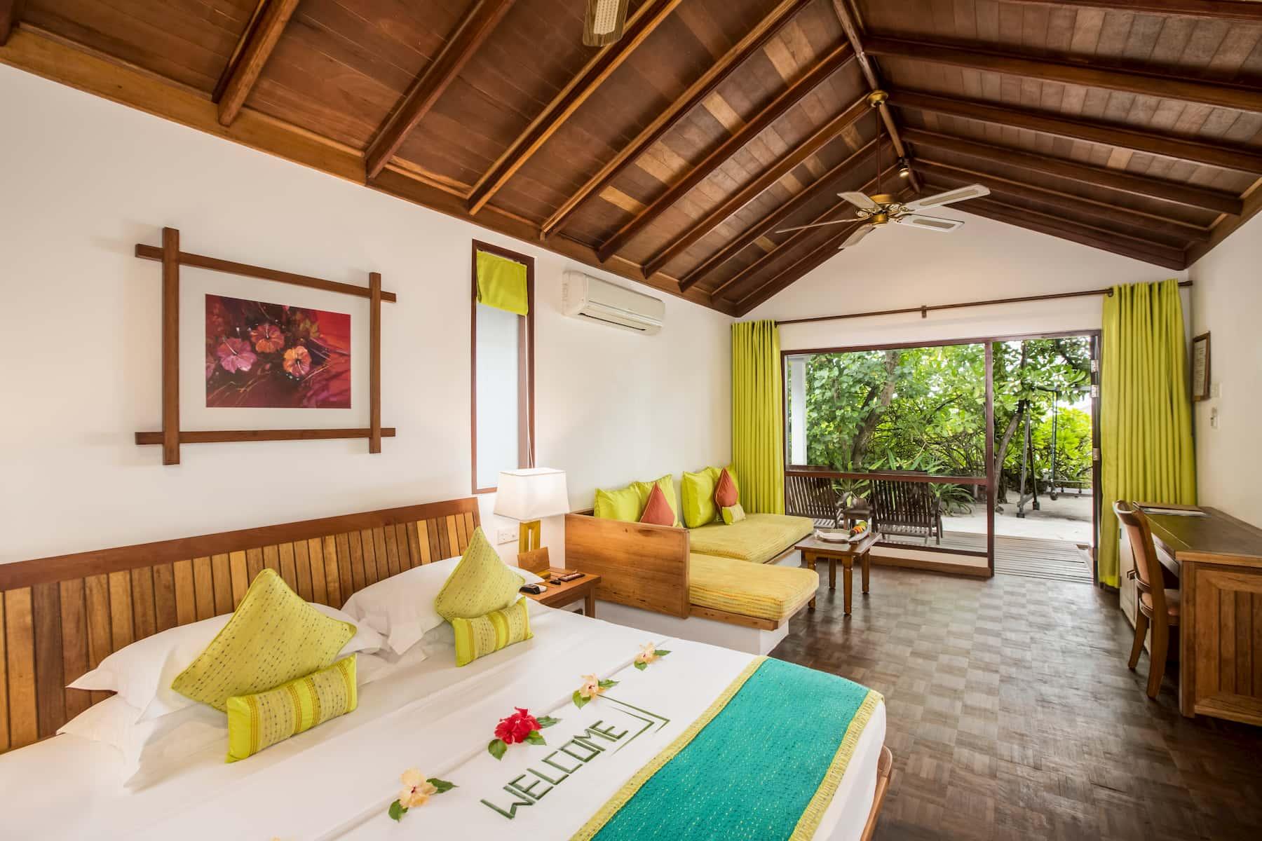 Resort Maldive Reethi Beach Resort deluxe villa