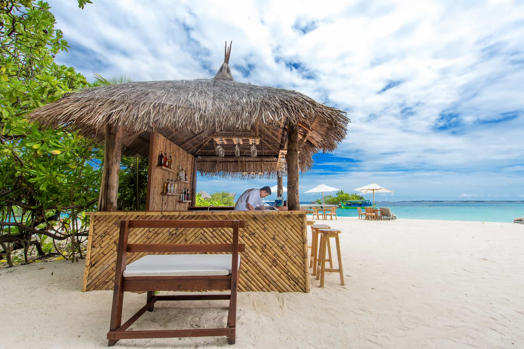 Viaggio ale Maldive Makunudu Island Ristorante Myaru Bar