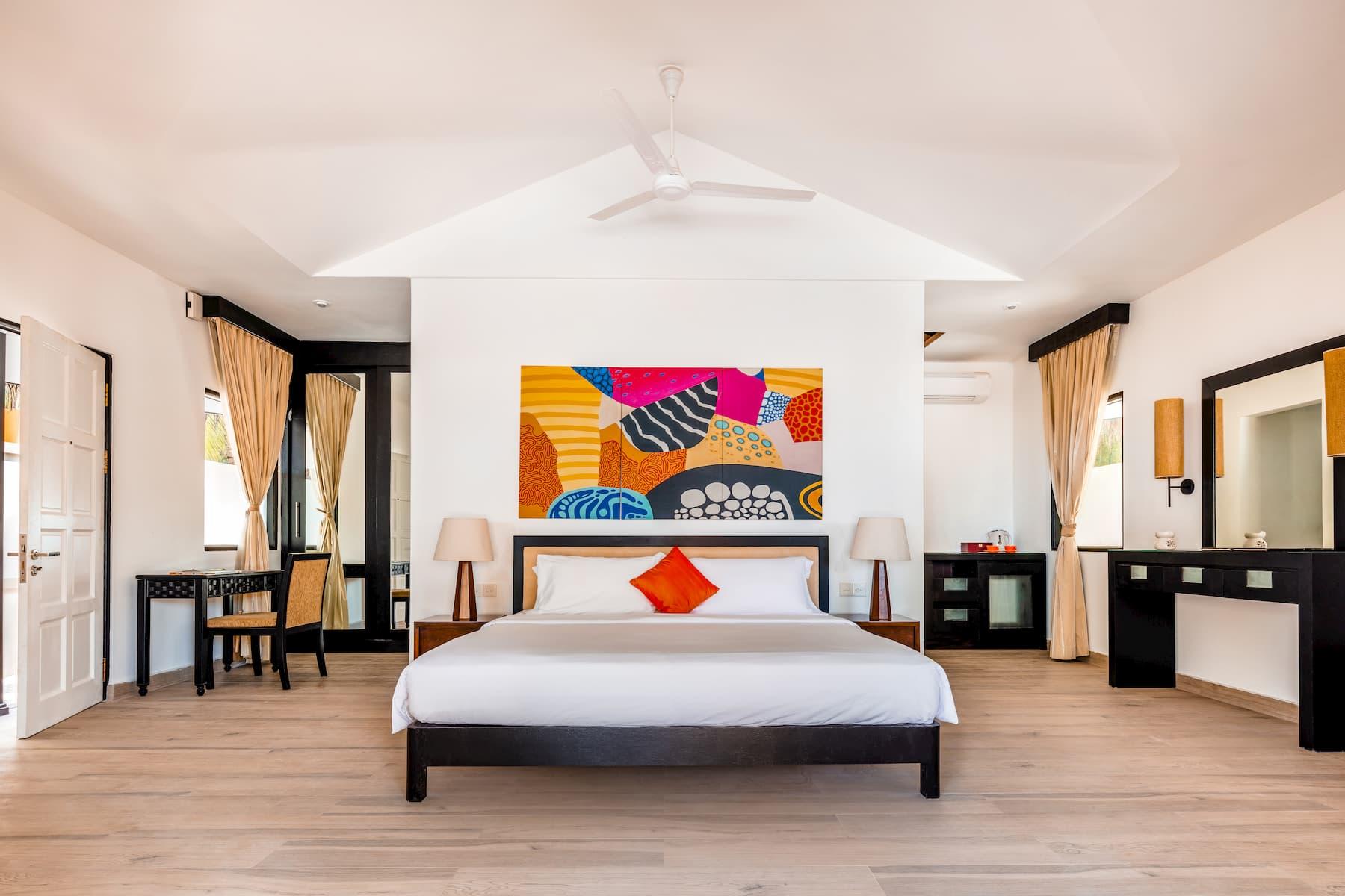 Angsana Velavaru resort Maldive deluxe beachfront pool villa