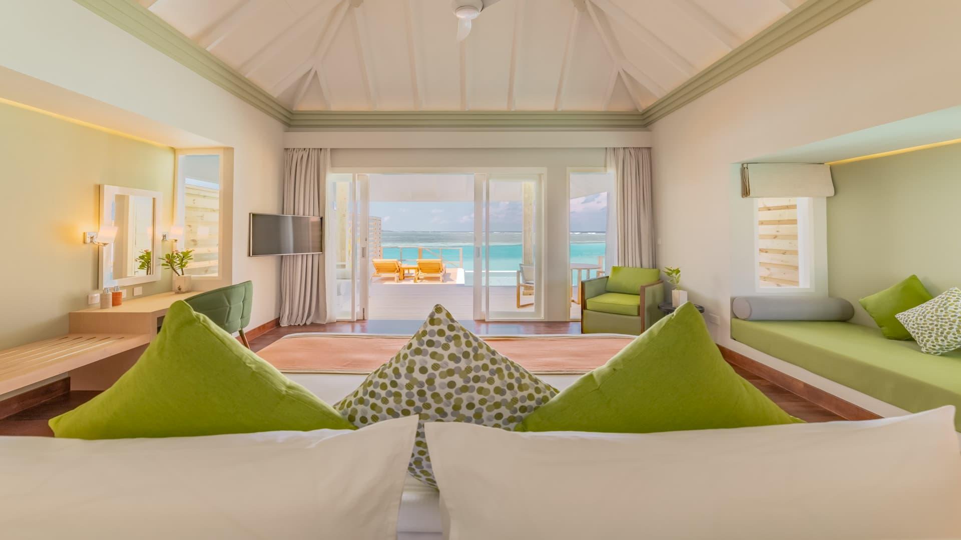 Resort Maldive Olhuveli Beach & Spa Grand Water Villa with pool