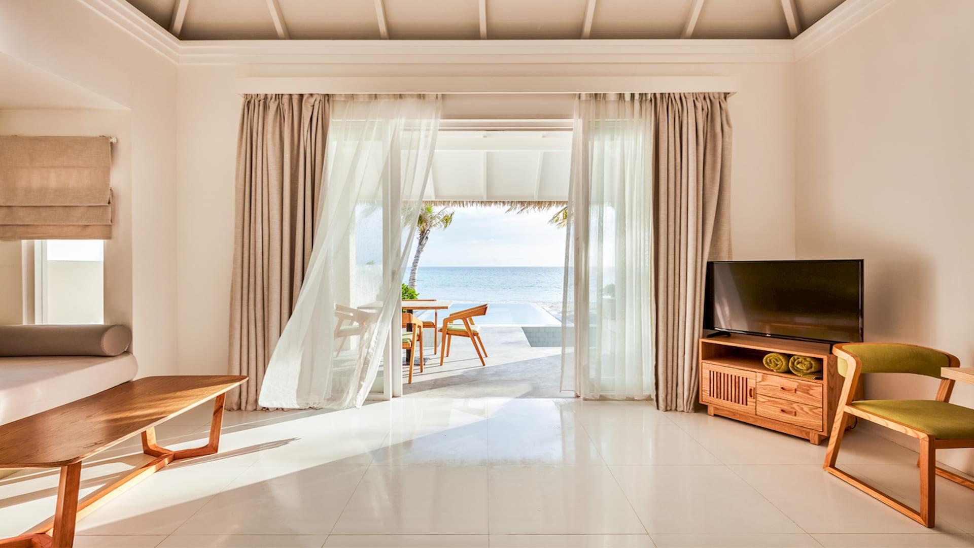 Resort Maldive Olhuveli Beach & Spa Grand Beach suite with pool
