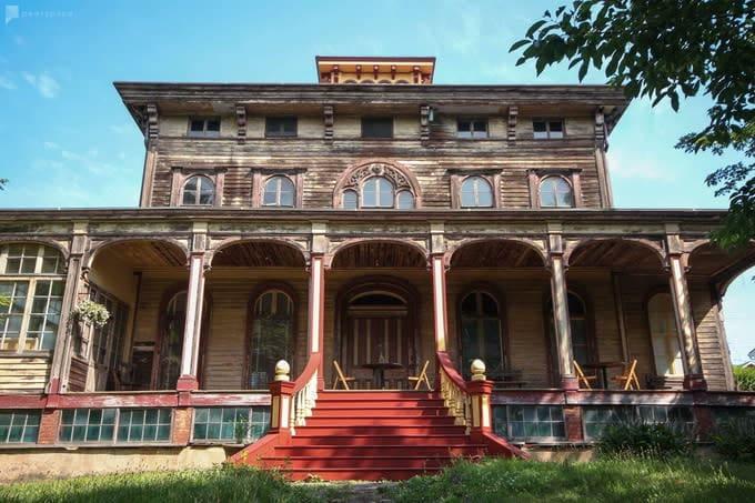 1855 Italianate Villa