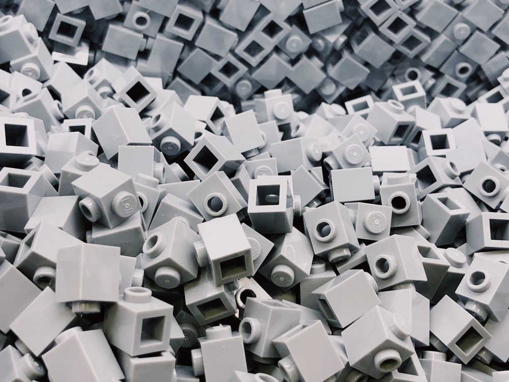white plastic block lot