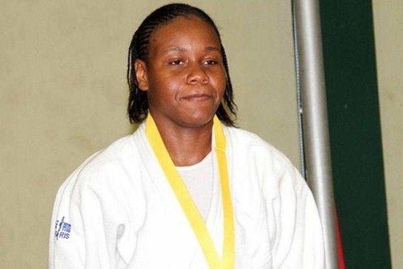 Faia termina a carreira de judoca e treina atletas do 1º de Agosto