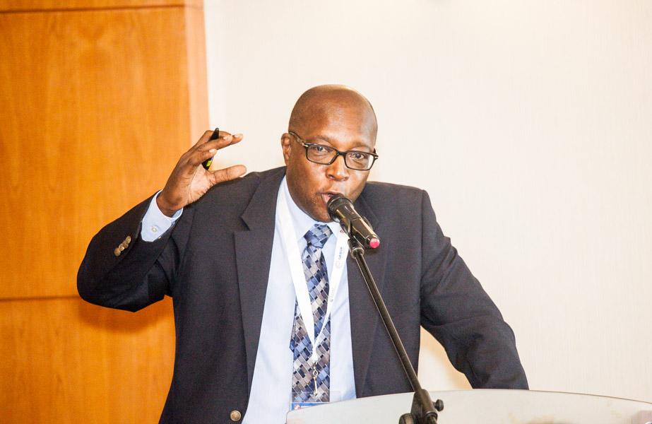 """Emanuel Leopoldo defende o processo da """"angolanização"""" como sendo um aspecto importante para o desenvolvimento do país"""