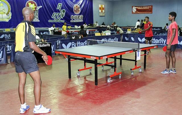 Ausência de agentes desportivos impede avanço do ténis