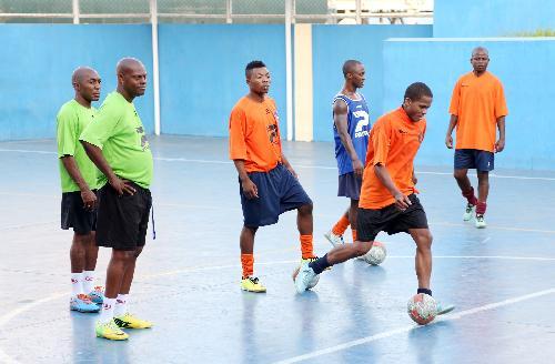 Selecção Nacional de Futsal treina com equipa da Coprat FC