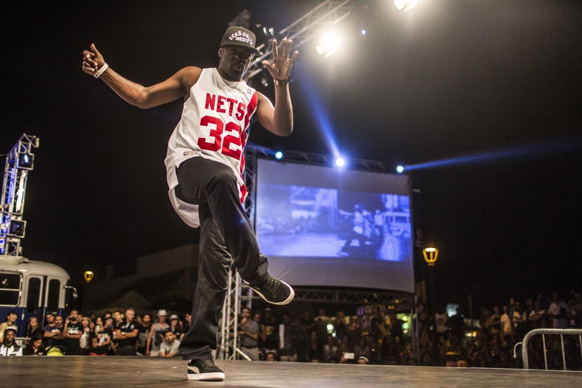 Yugson junta-se a angolanos e apresenta espectáculos de dança em Luanda