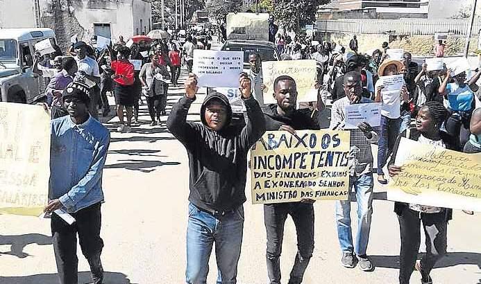 Huíla: Professores desactivados ameaçam nova manifestação