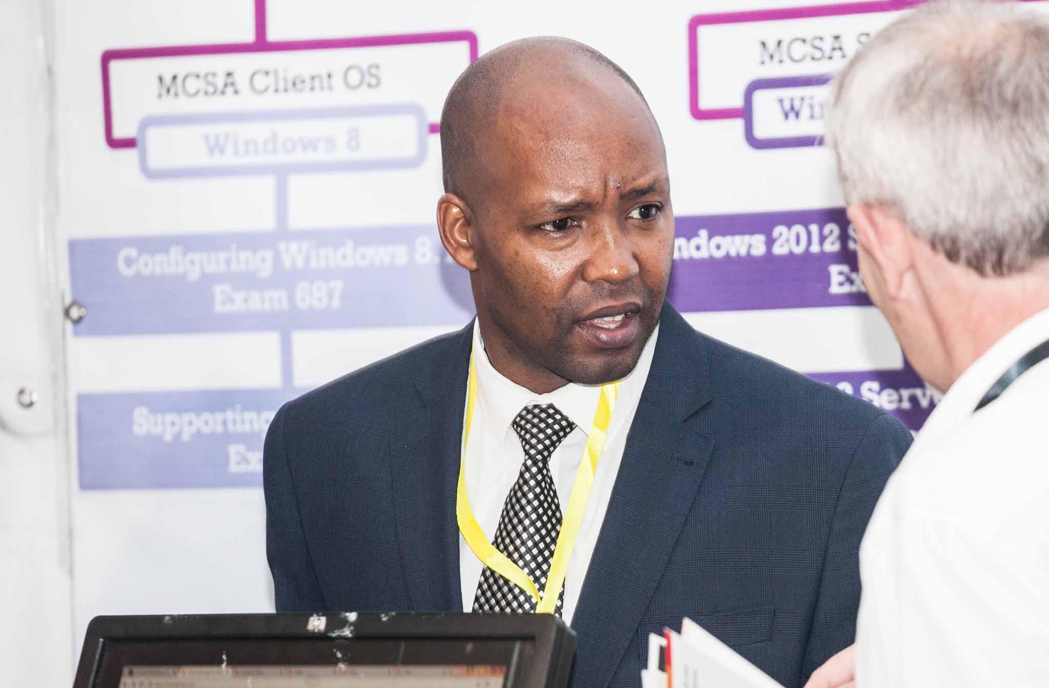 Adérito Cassolongo apela ao uso de conteúdos de formação oficiais para fazer frente ao ensino estrangeiro