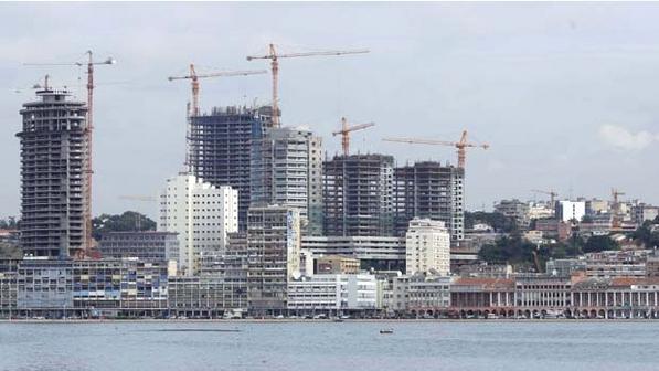 Angola entrega 20 mil barris de crude ao Brasil para manter financiamento