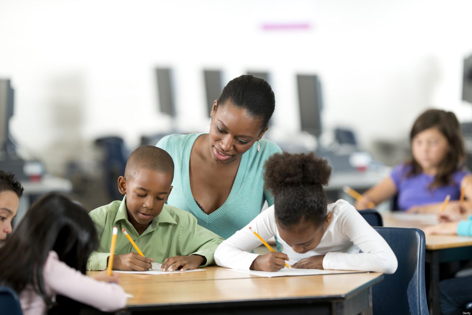 Aliança Francesa ministra cursos de francês para crianças