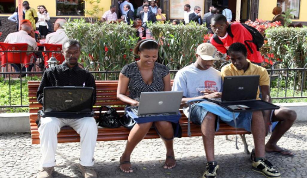 Governo quer cobrir 80% da população com serviço de banda larga