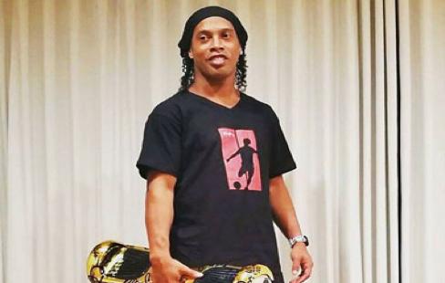 Ronaldinho Gaúcho arruinado: tem menos de seis euros no banco