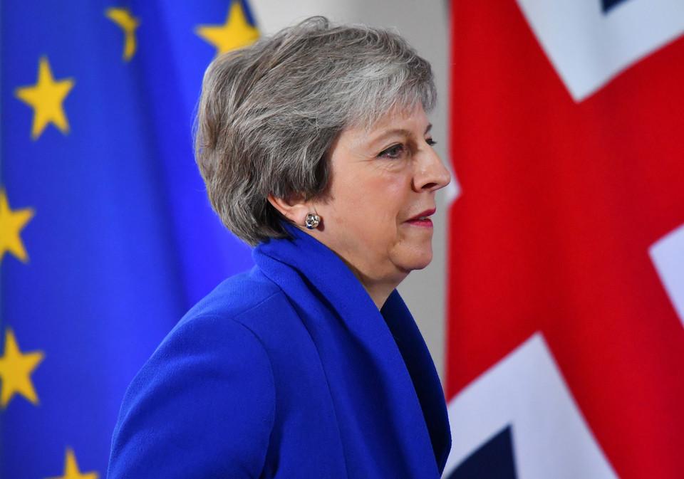 Theresa May não afasta a possibilidade de Reino Unido sair da UE sem acordo