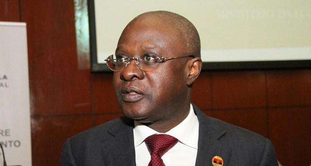 Angola perdeu 12 mil milhões de dólares das reservas internacionais em três anos