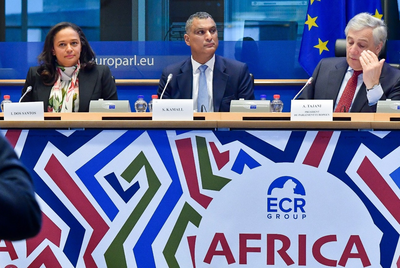 Isabel dos Santos defende o desenvolvimento tecnológico de África e afirma que o continente tem de se tornar digital