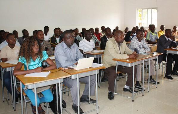 Benguela com mais de 200 professores condicionados na transição de categoria