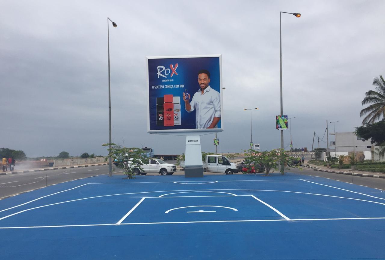 Marca ROX requalifica campos de basquetebol e apoia prática de desporto