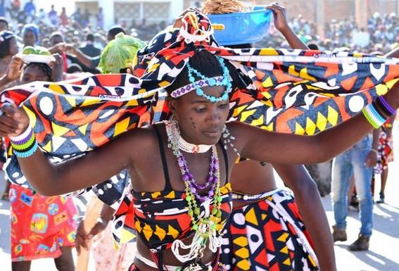 Huíla: Grupos carnavalescos desistem do desfile devido a dificuldades financeiras