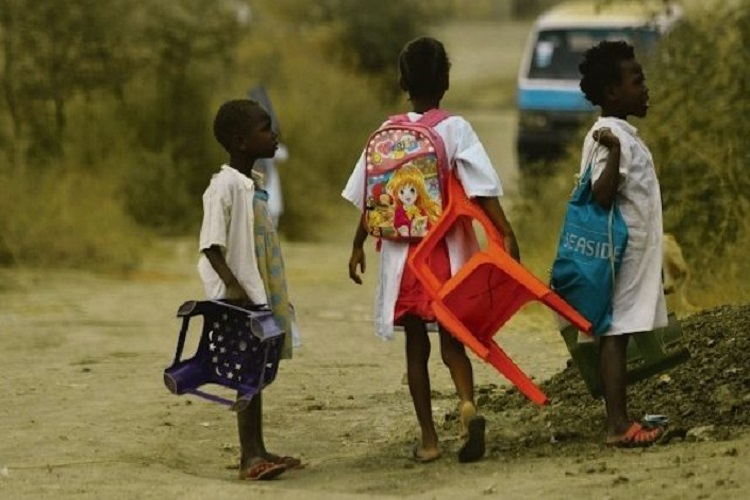 Cunene: Alunos percorrem mais de 20 quilómetros para assistir às aulas