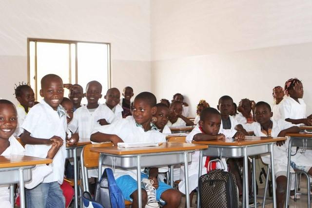 Alunos da 3ª classe na Caála já têm aulas de umbundo
