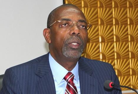 Gonçalves Muandumba exige fiscalização rigorosa às instituições públicas