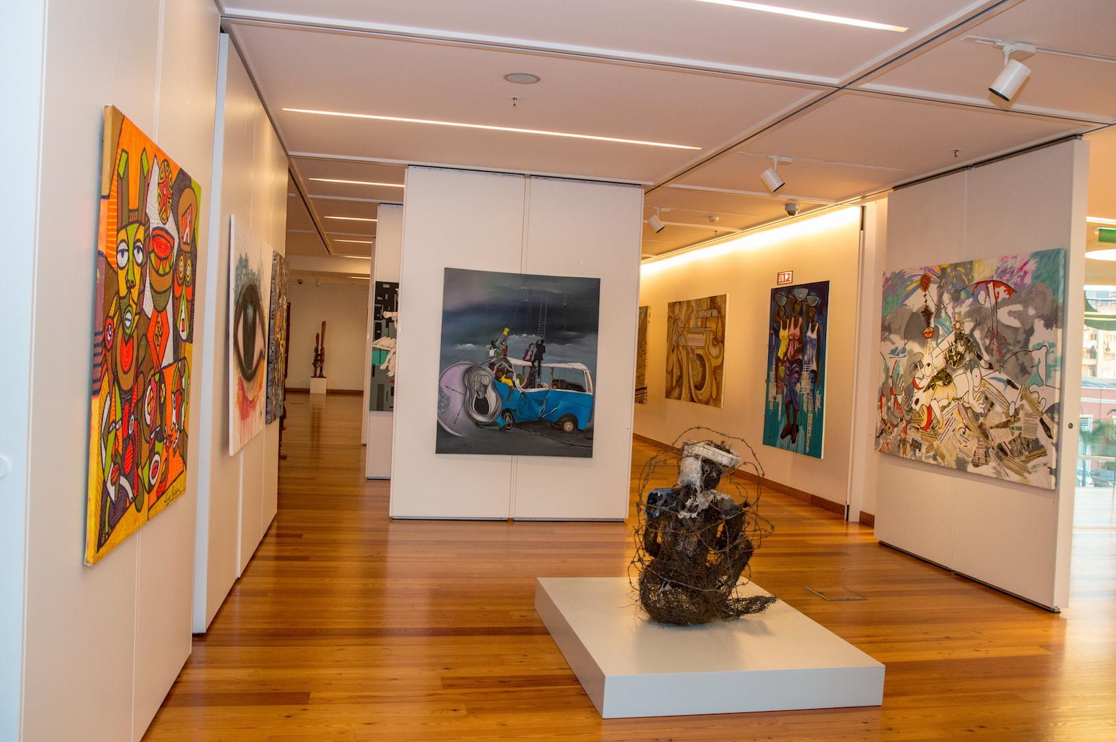"""""""Untitled 02"""" em exibição na Galeria Banco Económico"""