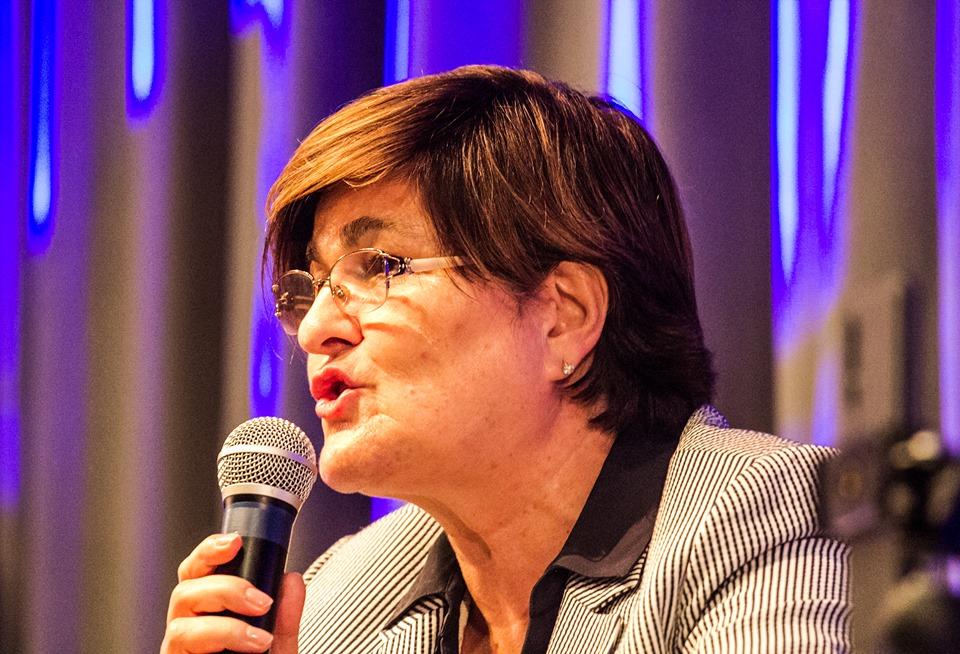 """""""Com um país deste, continuamos a comer do contentor"""", lamenta Filomena Oliveira"""