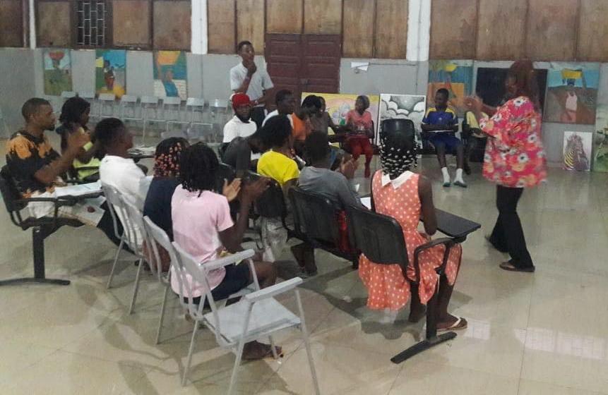 Jovens recebem formação em diversas áreas de artistas brasileiros