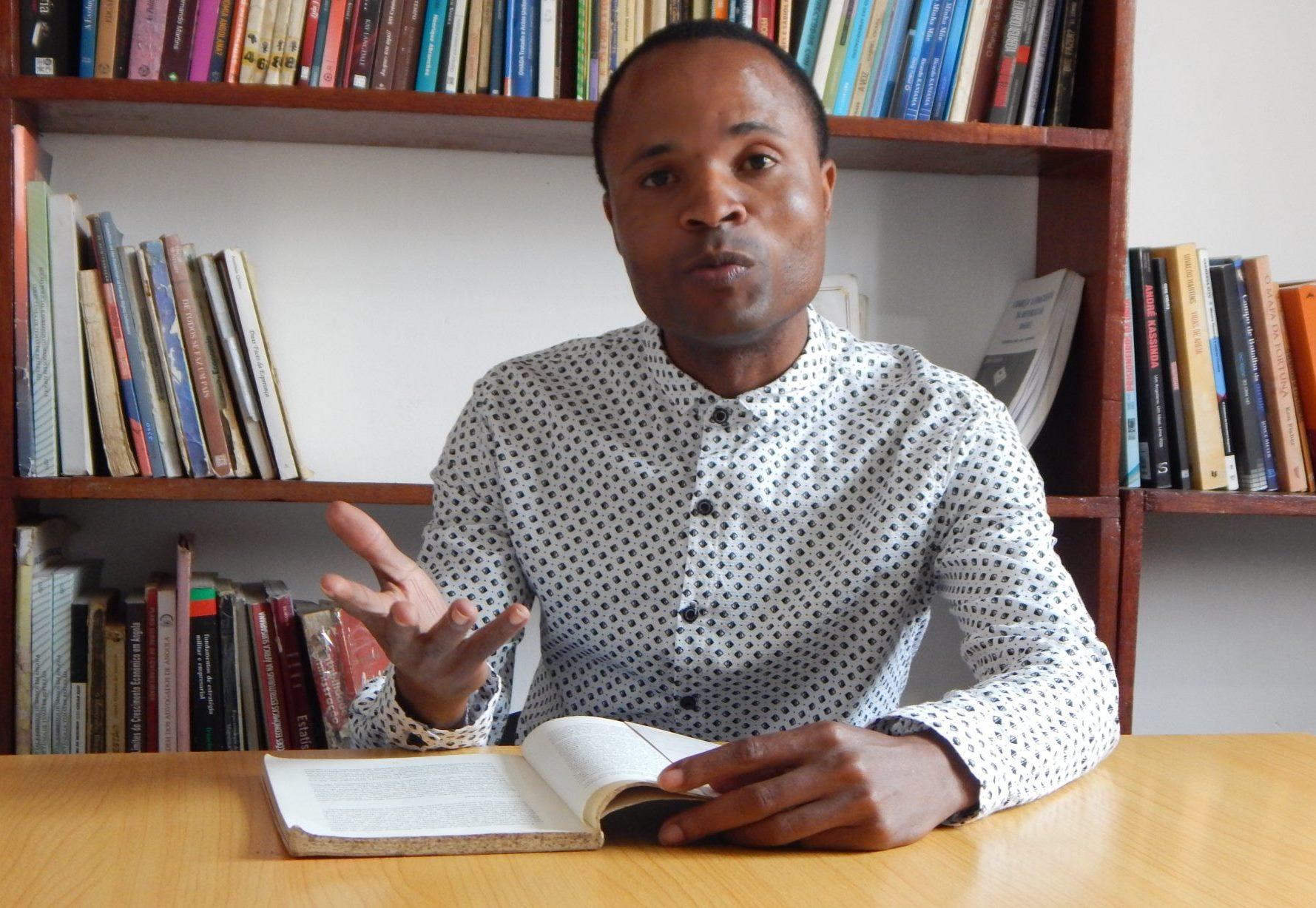 Intercâmbio cultural une em Angola docentes universitários de várias partes do mundo