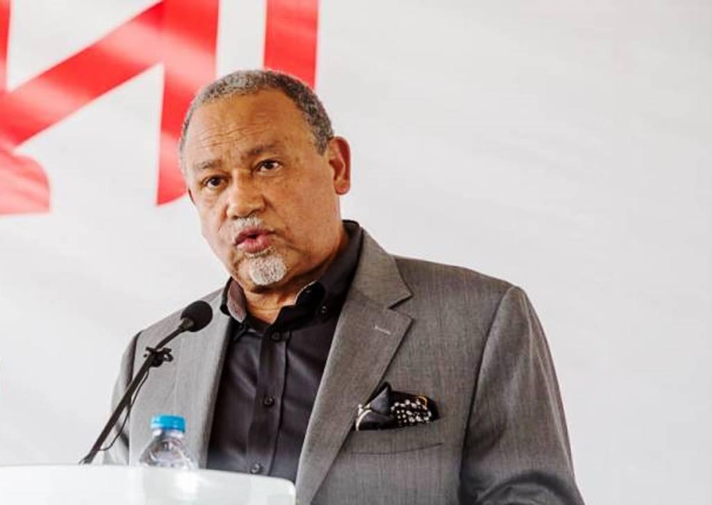 """Ministro releva importância do sector privado """"nesta nova da história do país"""""""