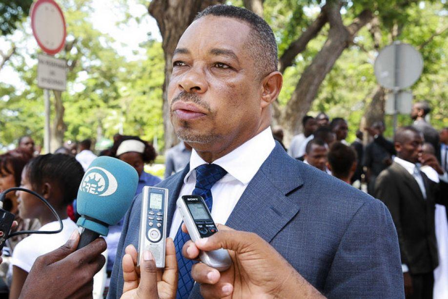 Eugénio Laborinho intensifica alerta para a segurança na fronteira Angola/Namíbia