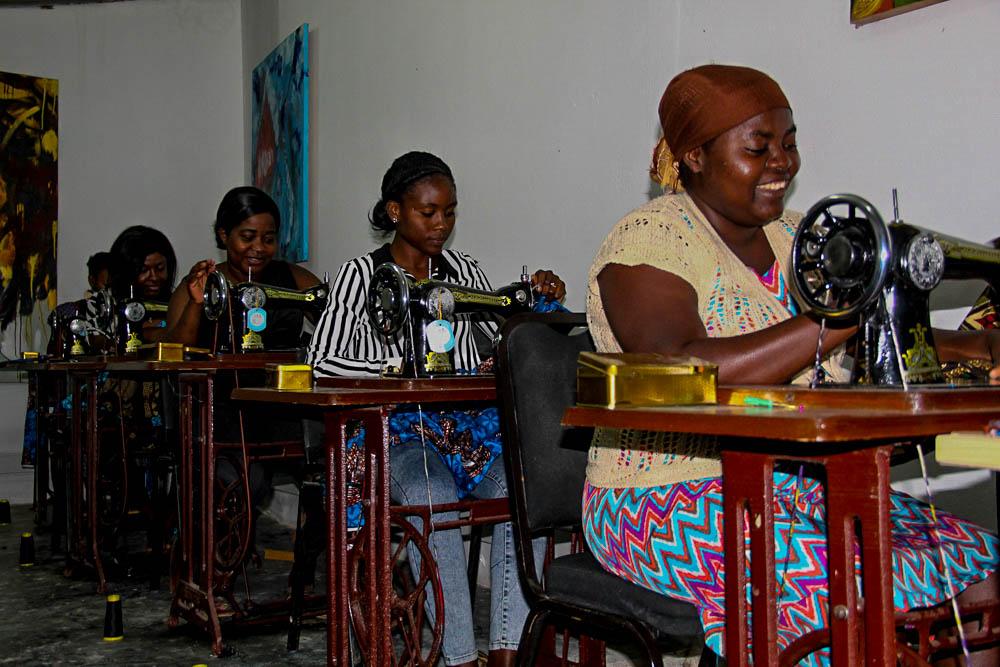 Famílias desfavorecidas da Ilha de Luanda vão beneficiar de máscaras produzidas pela Fundação Arte e Cultura
