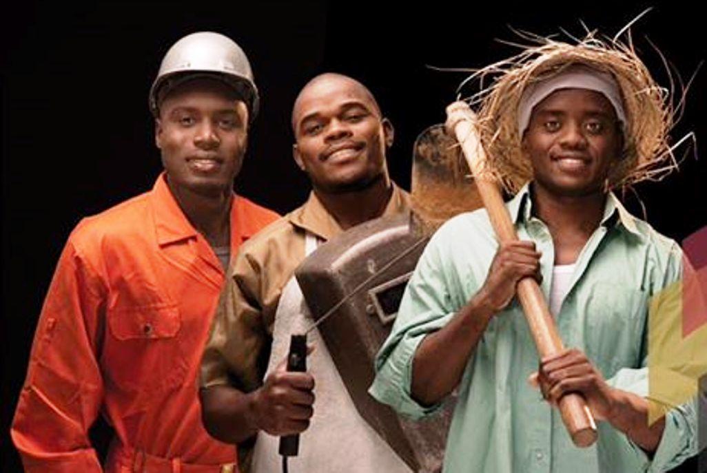 Profissionais reflectem sobre o Dia do Trabalhador