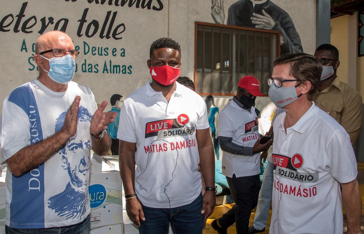Matias Damásio arrecada mais de 147 mil toneladas de alimentos e entrega a instituições de caridade