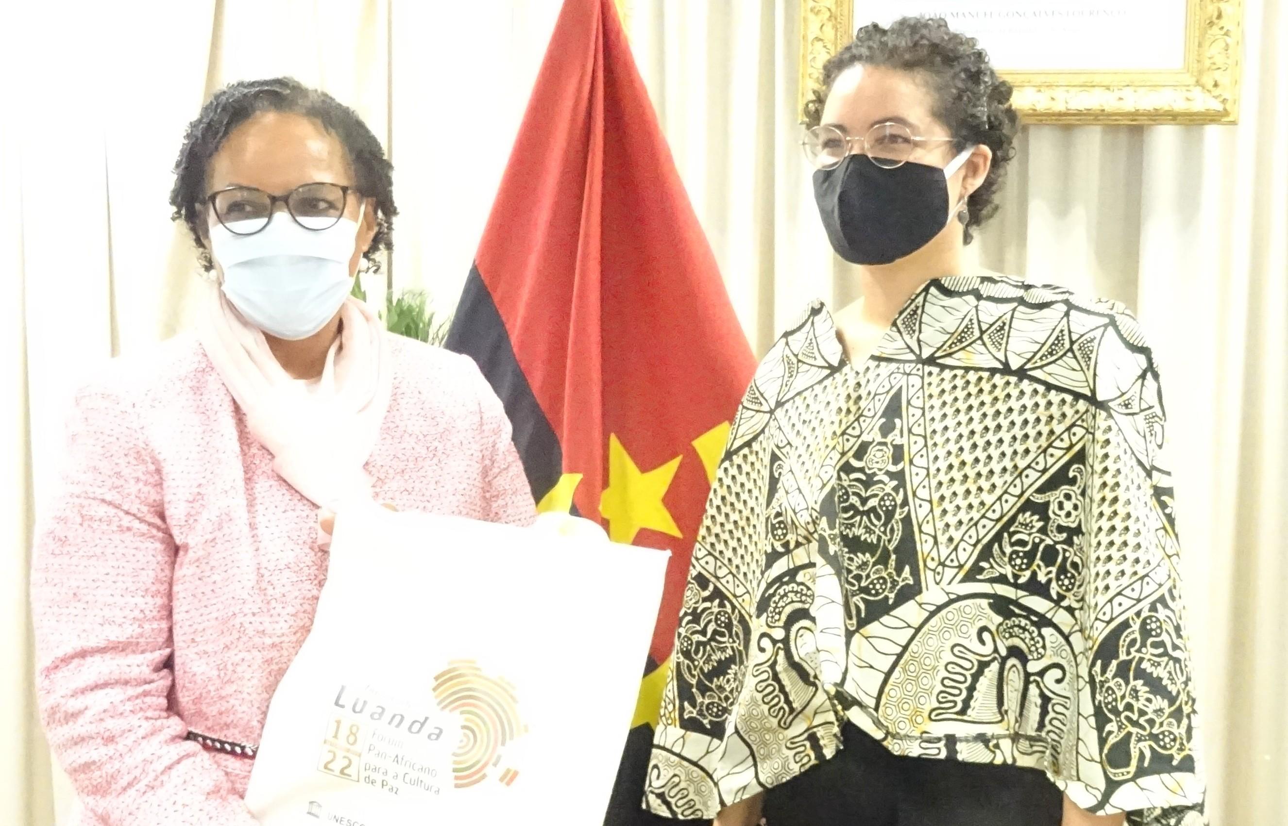 Embaixadora garante apoio institucional ao Ministério da Cultura, Turismo e Ambiente